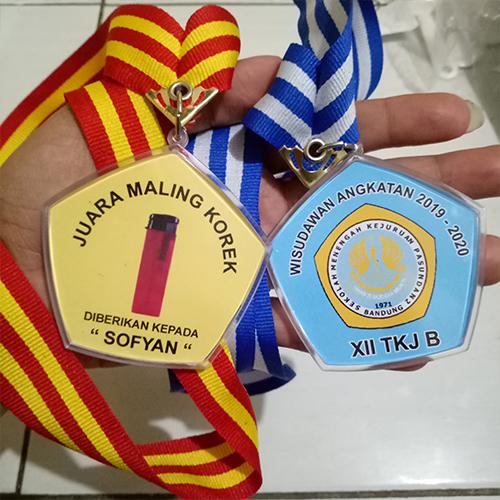 Cara Membuat Medali Akrilik Insert Paper